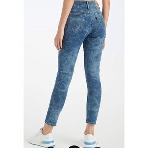 👯♀️Host Pick⚡️Levi's 711 Watercolour Jeans